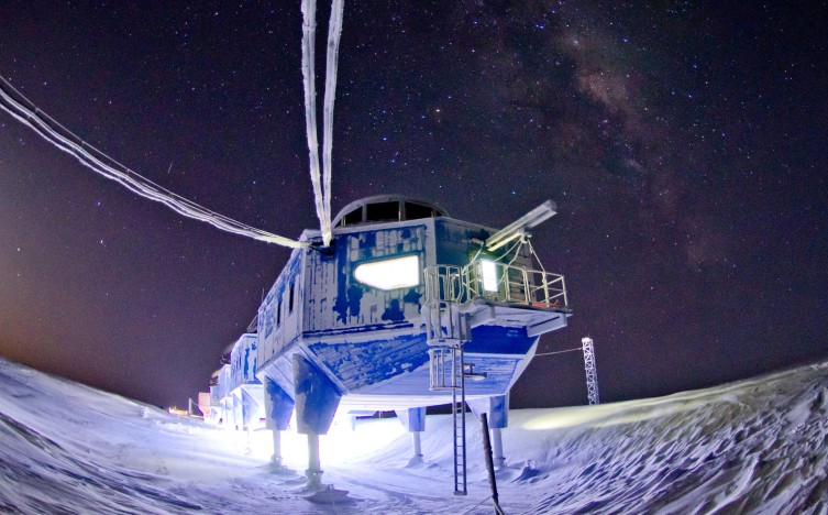 Halley VI Research Station, Photo by Sam Burrell